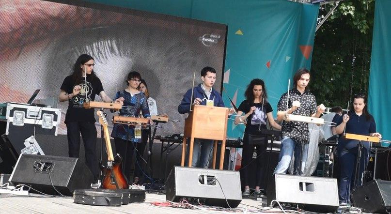 «Школа терменвокса» на фестивале GEEC PICNIC в Санкт-Петербурге